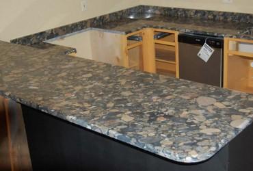 black-mosaic-granite-countertops-23177